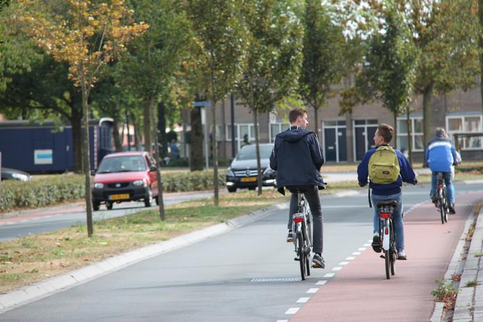 Een voorbeeld van hoe het niet moet in Uden: de veel te smalle Land van Ravensteinstraat.