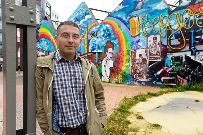 Mahmut Erciyas volgt de politiek in Oss en geeft vanaf de zijlijn commentaar, ook op zijn partij SP.