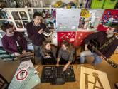 Neem eens een kijkje in de overvolle studentenhuizen van Enschede, ook dat is Stukafest