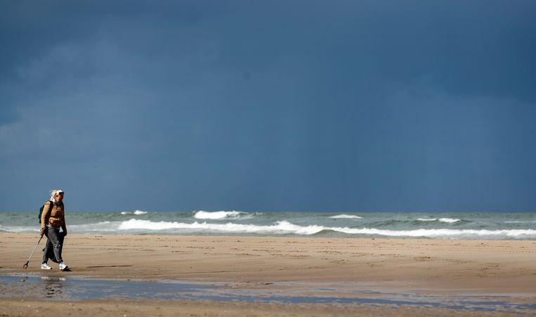 Minder afval op de stranden dankzij een schonere Noordzee - Trouw