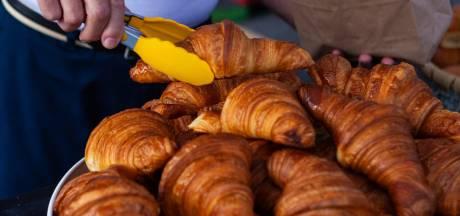 Dure croissant van de bakker komt uit dezelfde fabriek als die van de super