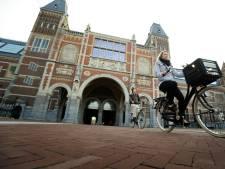 Scholierenbezoek Rijksmuseum en Kamer belangrijk, maar niet verplicht