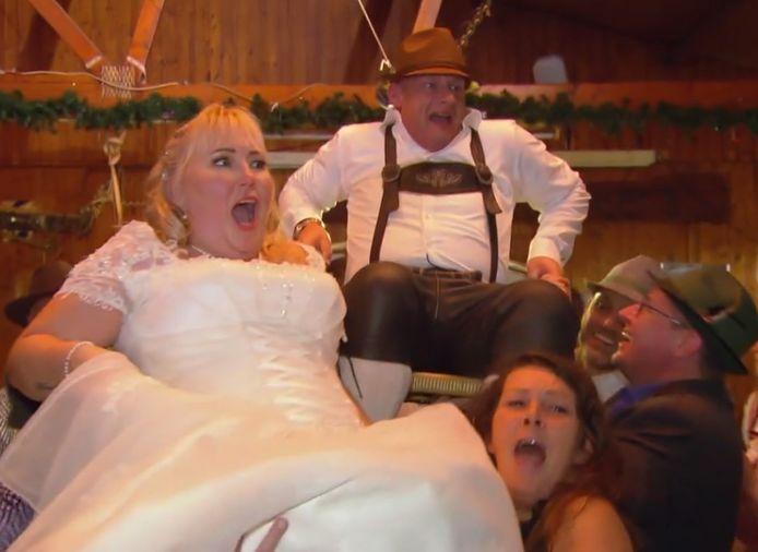 Heidi en Peter uit Deventer gaan met stoel en al de lucht in op hun huwelijksfeest.