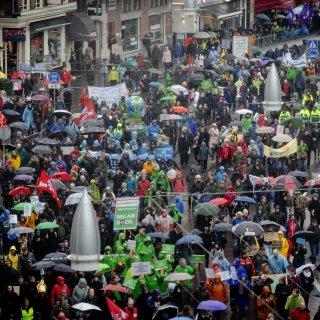Gisteren klimaatspijbelaars, vandaag stakende leraren: waarom is demonstreren ineens zo populair?