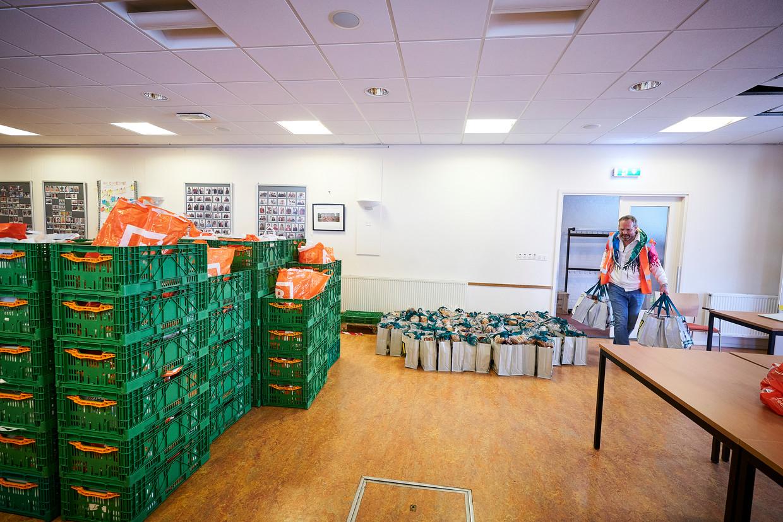 Een project bij de Marcuskerk in de Haagse Moerwijk waar mensen een voedselpakket kunnen ophalen.