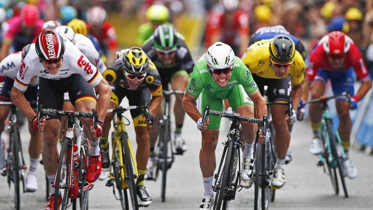 Greipel (l) en Cavendish (groen) op de finish Beeld anp