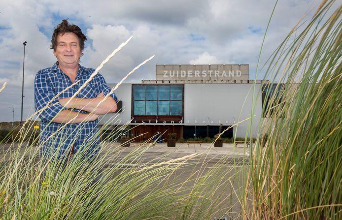 Peter Bos, fractieleider van de HSP: ,,Het Zuiderstrandtheater is een hit.''