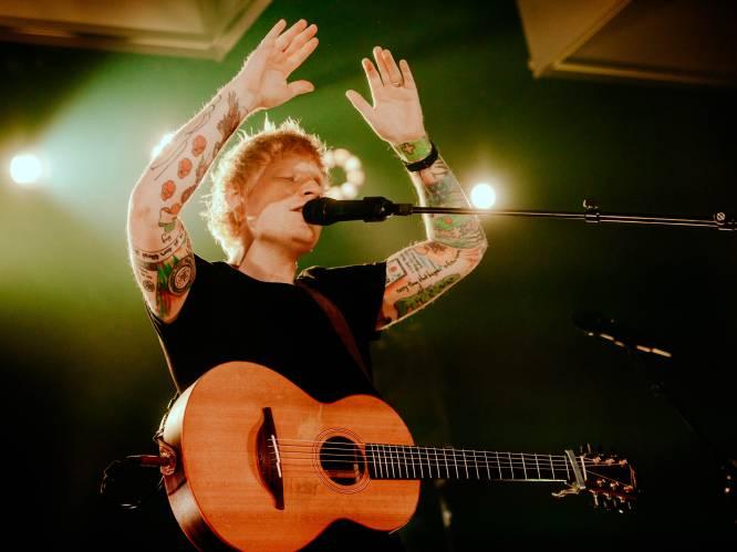 """Ed Sheeran stelt nieuw album voor in The Qube en wij waren erbij: """"Nu weet ik hoe ze zich in de roaring twenties voelden"""""""