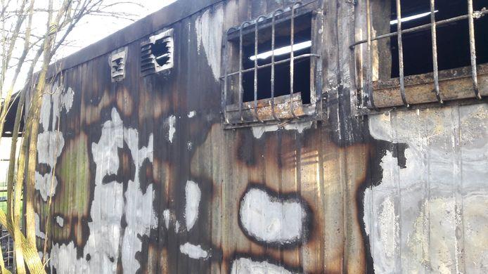 Het clubgebouw van Bouvier Dressuurgroep Klundert brandde dinsdagmorgen volledig uit.