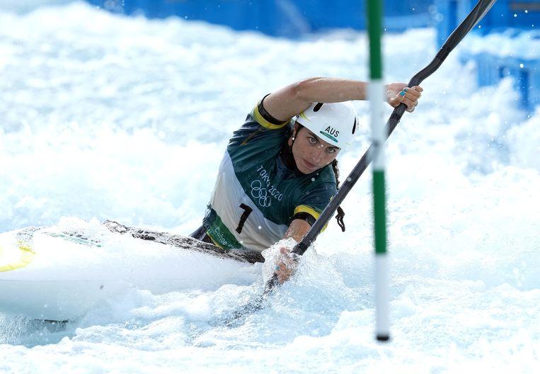 Jessica Fox in haar kayak tijdens haar bronzen run. Beeld Photo News