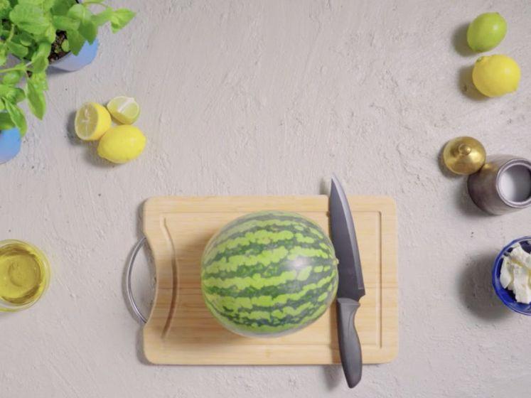 Zo snijd je gemakkelijk een watermeloen