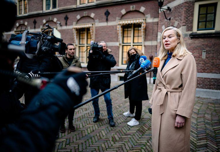 Demissionair minister Sigrid Kaag voor buitenlandse handel en ontwikkelingssamenwerking (D66) voor de ministerraad op het Binnenhof.  Beeld ANP