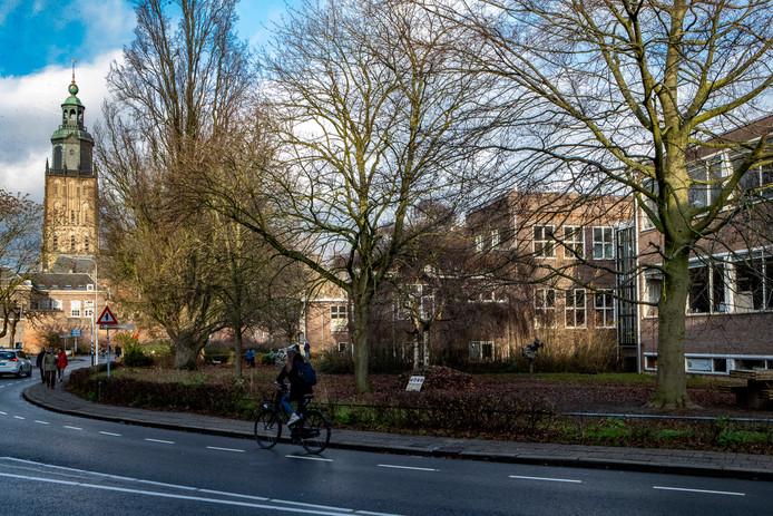 De voormalig meisjesvakschool aan het Vispoortplein in Zutphen.