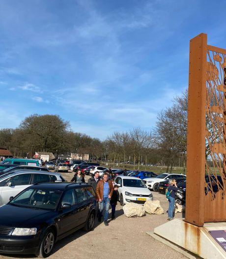 Posbank afgesloten voor auto's, ook drukte op Ginkelse Heide