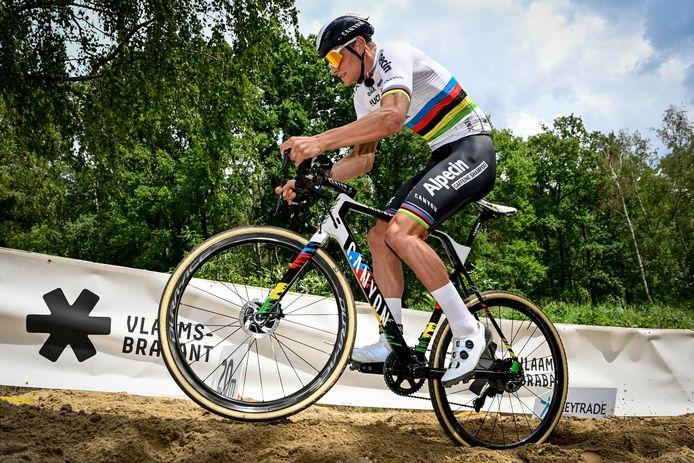 Mathieu van der Poel's volgende race is op 12 december in Antwerpen.