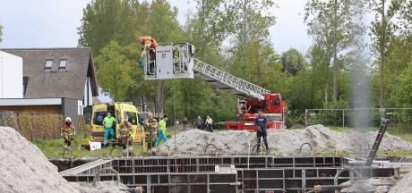 Man valt meters naar beneden in bouwput en raakt zwaargewond in Vught