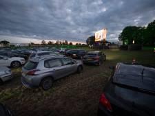Drive-in bioscoop Holten coronaproof uitje: 'Eigenlijk hadden we een petticoat aan moeten doen'