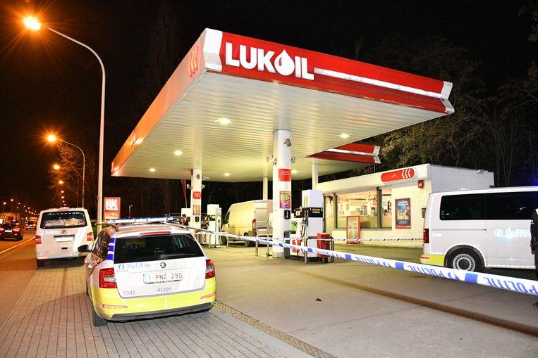 Twee klanten gaan mekaar te lijf aan tankstation op Boomsesteenweg.