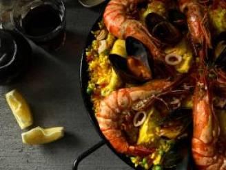 Maak Spaanse paella naar een recept van Piet Huysentruyt