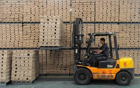 Een fabrikant van houten vloerdelen in China.