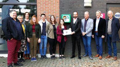 Campus De Vesten installeert AED-toestel