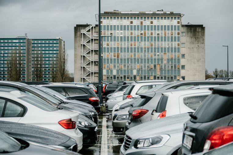 De parkeertoren van het UZ Gent, zoals wel vaker overvol. Beeld Wouter Van Vooren