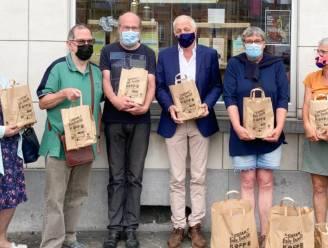 11.11.11 schenkt 500 euro lokale consumptiecheques aan asielzoekers die in gemeente verblijven