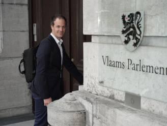 Duffelaar Staf Aerts (Groen) legt eed af in Vlaams Parlement en dient meteen bezwaarschrift in tegen pijpleidingen