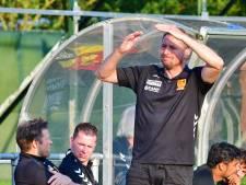 Trainer Jan Kromkamp bekert met CSV Apeldoorn verder, het moet het begin zijn van de opmars naar boven