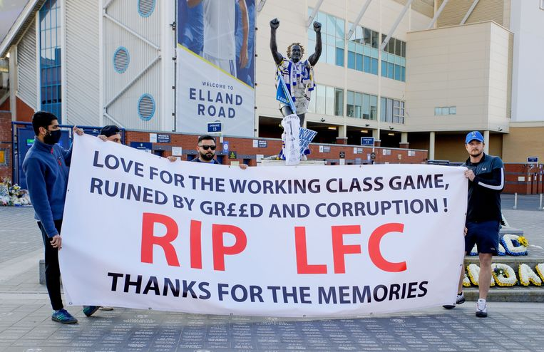Protest tegen de Super League in Leeds.  Beeld Photo News