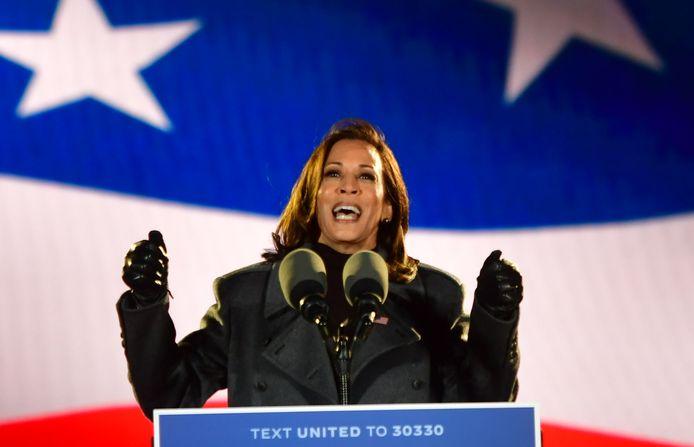 Kamala Harris tijdens een verkiezingsbijeenkomst in november 2020.