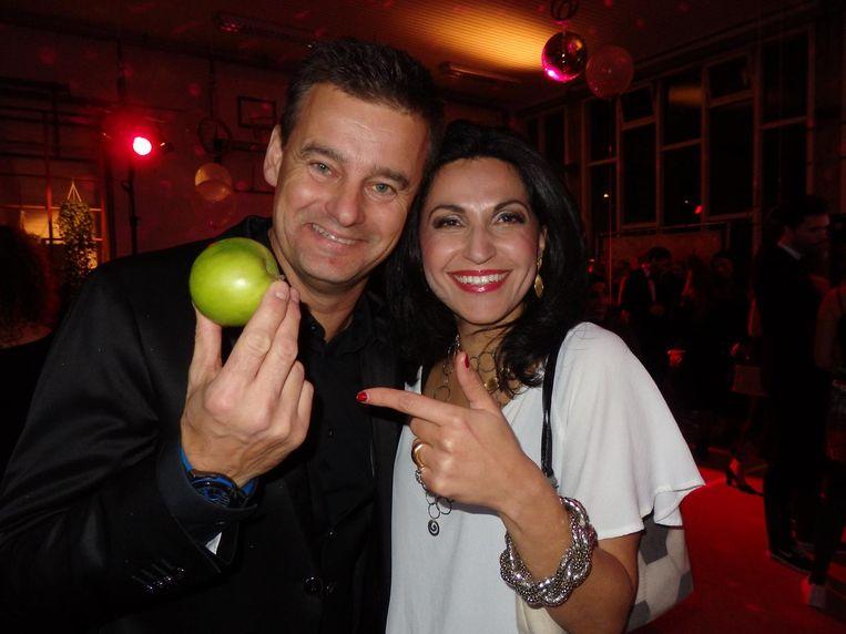 Wilfred Genee en zijn vrouw Lili Pirayesh, genomineerd voor Vullen Of Voeden. 'Mijn vrouw en ik doen weinig leuke dingen samen. Is dit niks, gaan we ergens eten.' Beeld Schuim