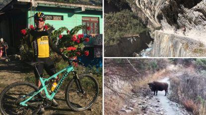 """Bram Tankink fietst voorbij opgemerkte passant naar dak van de wereld: """"Houdoe en groeten aan de familie"""""""