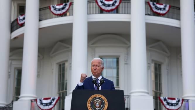 """Biden kijkt terug op jaar coronavirus tijdens 4 juli-viering VS: """"We herrijzen uit pandemie en isolatie"""""""