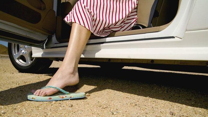 Slippers in de auto