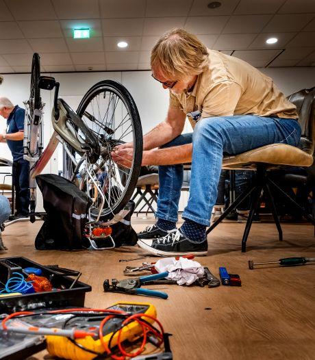 Alle kapotte dingen verzamelen! Repair Café Oud-Beijerland heeft een nieuwe, vaste stek
