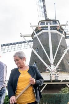 Molenaarsechtpaar van de Oelemölle in Hardenberg stopt er na bijna dertig jaar mee