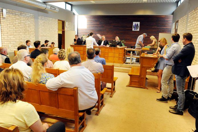 De zitting van maandag 16 maart zal niet doorgaan.