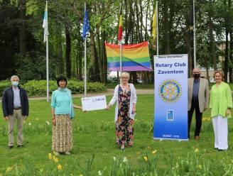 Rotary Club schenkt 500 euro aan project Babbelaars, dat het Nederlands bij kleuters moet versterken