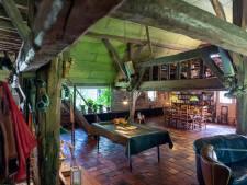 Historische Oosteindse hoeve toont eenmalig de schatkamer van vlooienplank, potstal en deegtrog