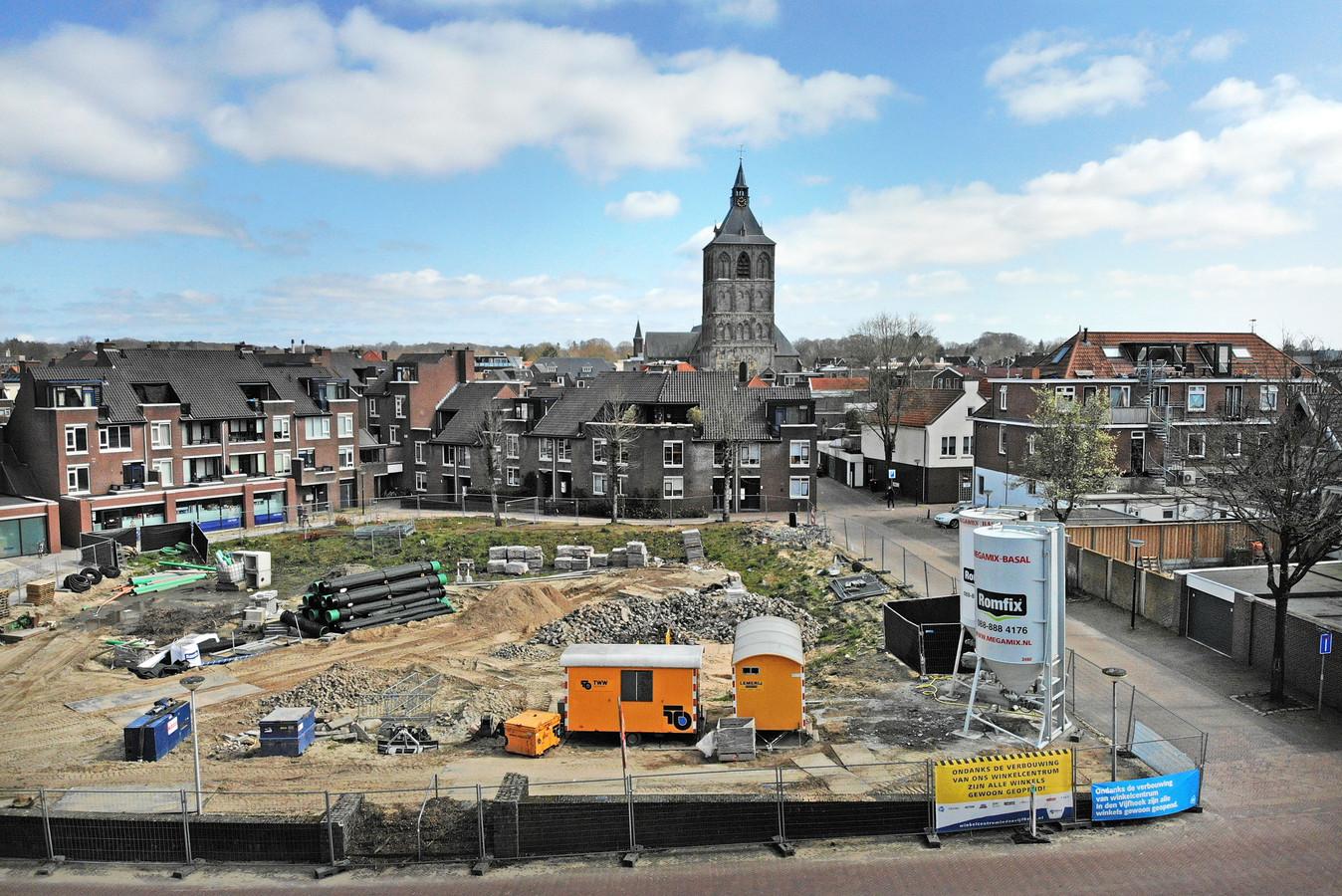Het ontbreken van een goede parkeeroplossing en een bouwplan dat te massaal is voor deze plek zorgen ervoor dat de gemeente Oldenzaal en de HMO het nog niet eens zijn geworden over de herinvulling van de plek van het vroegere postkantoor.