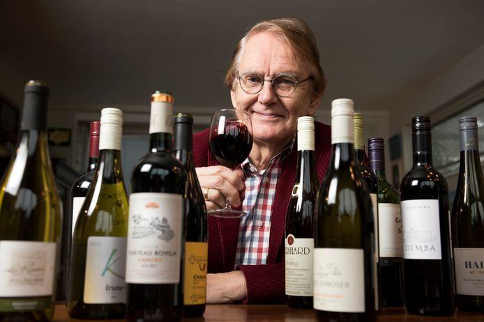 Abcoude - De bekende vinoloog Hubrecht Duijker is al 50 jaar actief als publicist (Foto Marnix Schmidt)