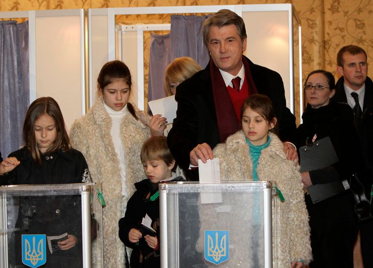 Voormalig Oekraïens president Viktor Joesjtsjenko in 2010. Toen hij zich in 2004 kandidaat stelde voor het presidentschap, werd hij vergiftigd. Beeld REUTERS