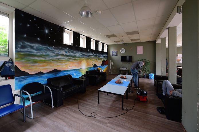 De daklozenopvang in Bergen op Zoom is de centrale locatie voor daklozen uit de eigen gemeente, maar ook die uit Steenbergen, Woensdrecht, Roosendaal, Halderberge en Rucphen. Tegenwoordig zijn vrijwel voortdurend alle bedden bezet.