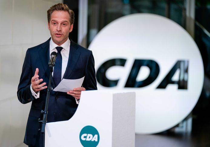 Hugo de Jonge is een van de kandidaten voor het CDA-lijsttrekkerschap. Hij heeft concurrentie van Mona Keijzer en Pieter Omtzigt. Volgende week gaan de leden stemmen.