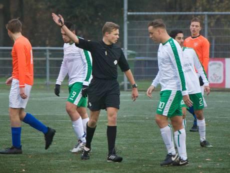 KNVB vreest tekort aan scheidsrechters; aanwas dramatisch gedaald door cursusuitval