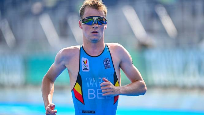 Triatleet Van Riel loopt elleboogbreuk op bij valpartij, seizoen afgelopen