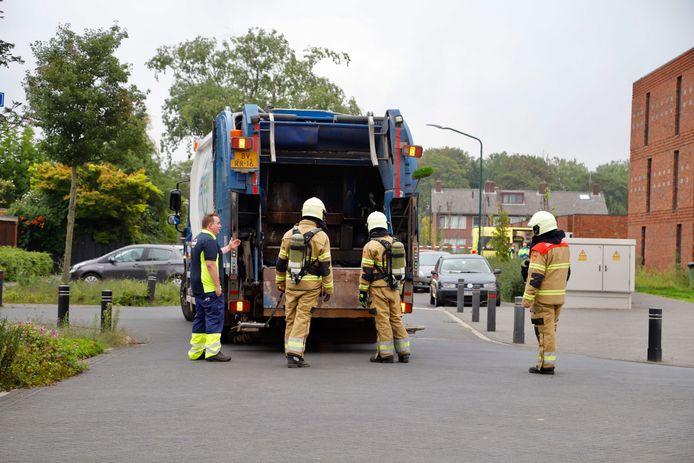 Door afval kwam een sterke chemische lucht vrij. Vier mensen raken onwel in Cuijk en Katwijk.