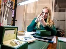 Ondernemers doen sieraden van overleden ouders in verkoop: 'Je wilt het niet, maar het moet'