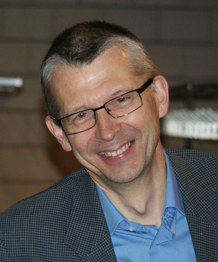 Professor-emeritus huisartsengeneeskunde Jan De Maeseneer: 'Wat mij betreft mag het loon van een specialist variëren tussen de 5.000 en 10.000 euro netto per maand' Beeld rv